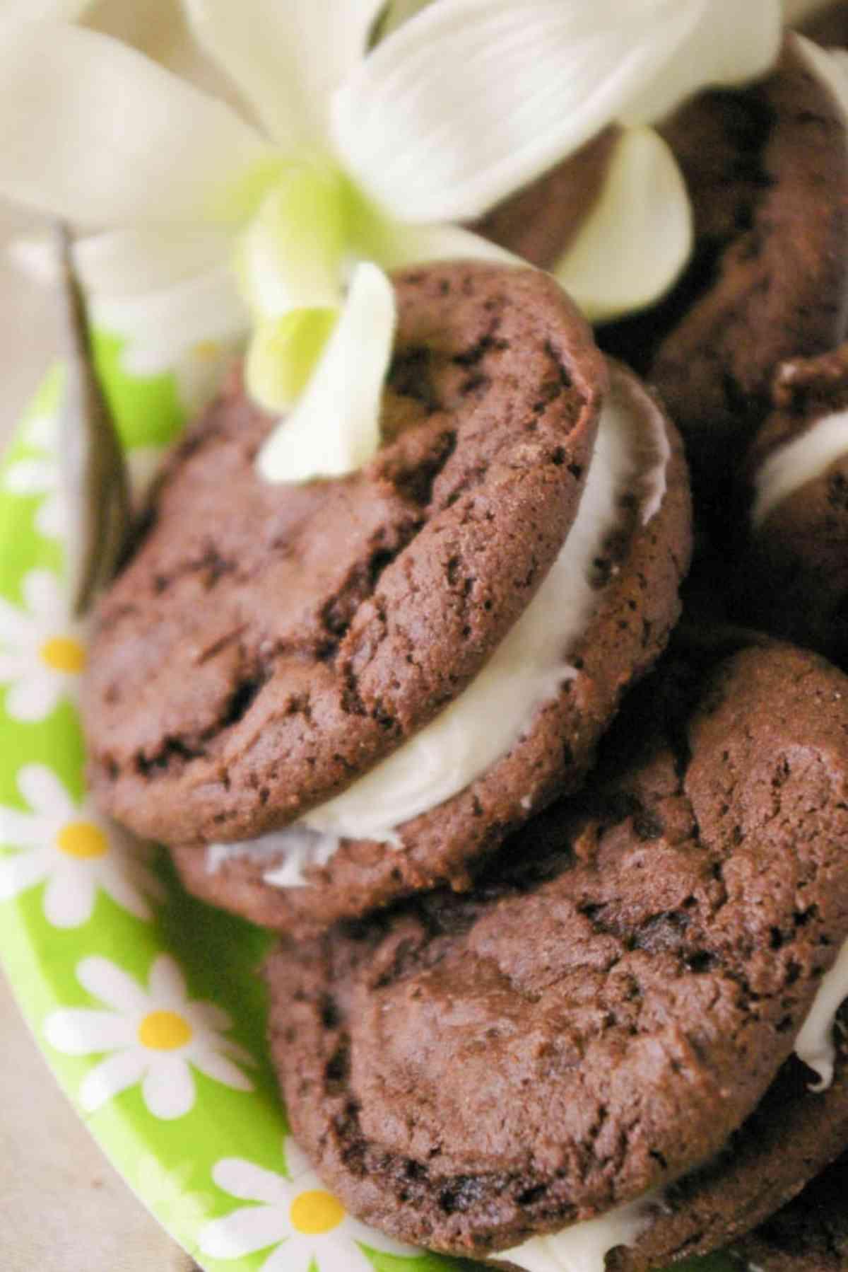 A plate of homemade oreo cookies.