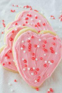 Pinnable image 2 for vday sugar cookies.