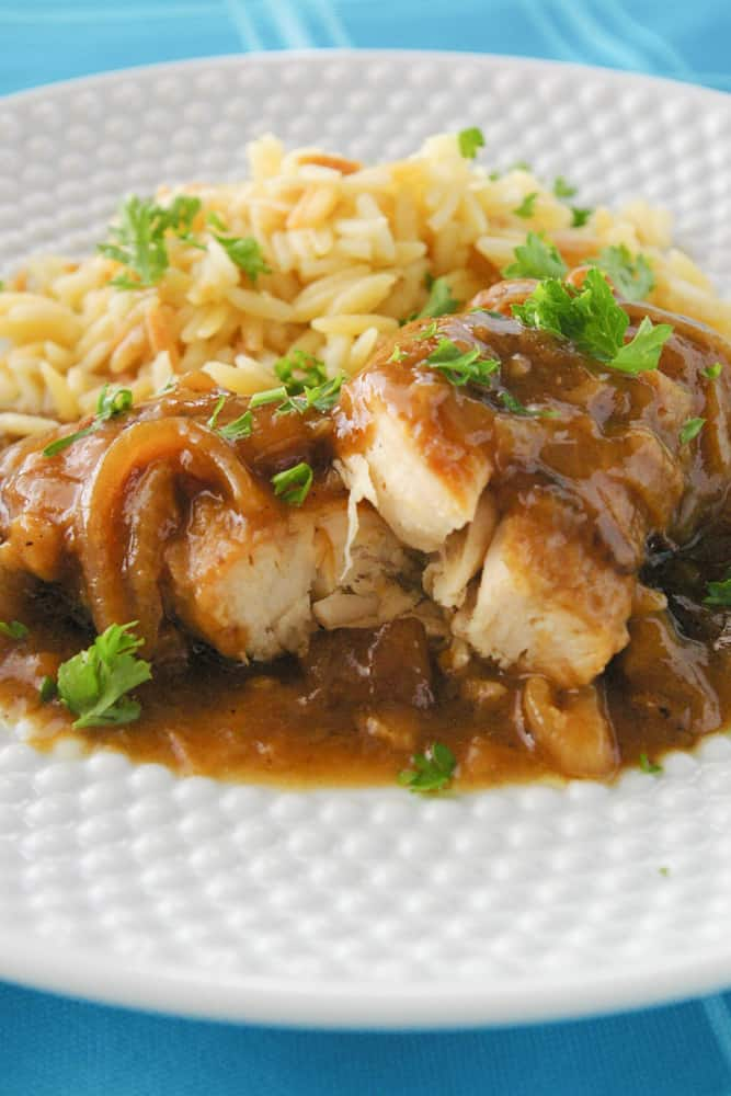 Chicken in Caramelized Onion Sauce hero pic